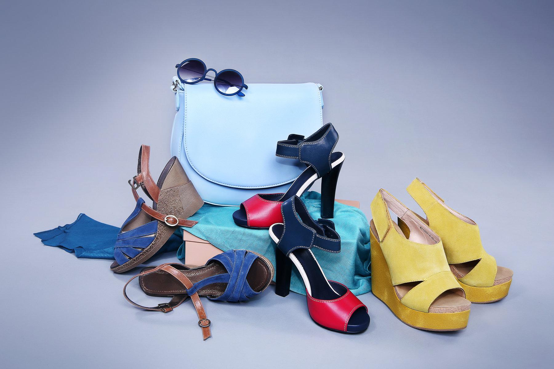 красивые картинки обуви и сумок день обращения